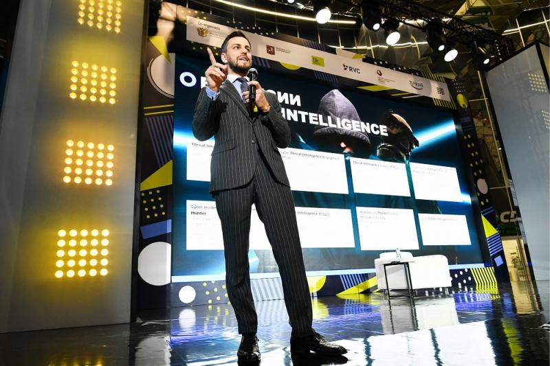 Илья Сачков: Если вы пользуетесь смартфоном, то о вас известно все