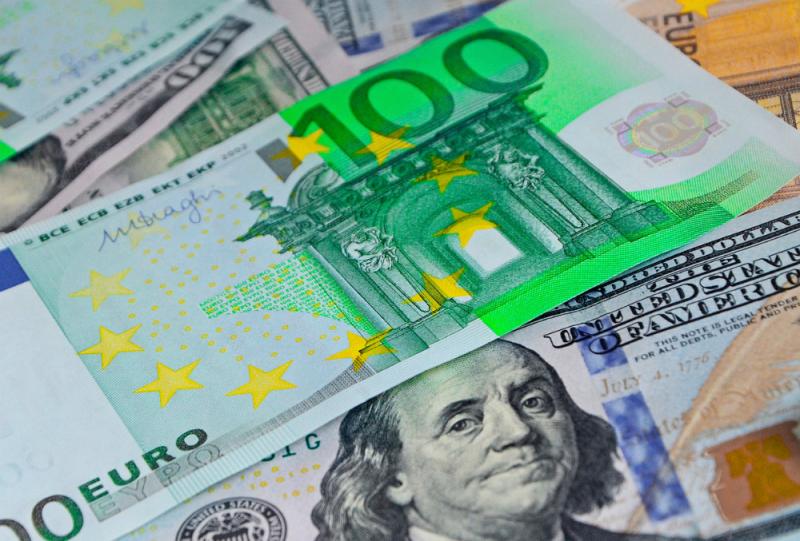 Важные новости из Китая определят движение курсов доллара и евро