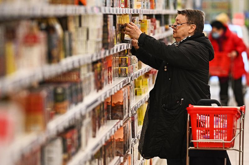 ЦБ отметил риск дефицита и серых схем при сдерживании цен на продукты
