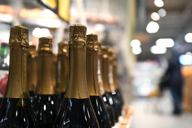 Россияне стали меньше пить крепких спиртных напитков