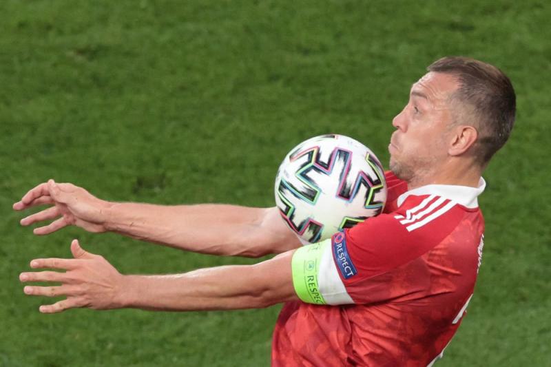 Сколько получают футболисты сборной России