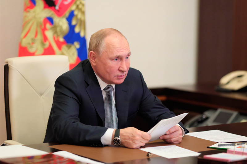 Путин поручит провести проверку соблюдения законов на транспортных узлах