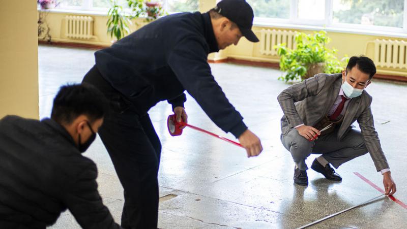 Избиратели-кузнечики: как голосуют в Киргизии