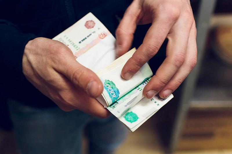 Кто зарабатывает больше 100 тысяч рублей в месяц, не выходя из дома