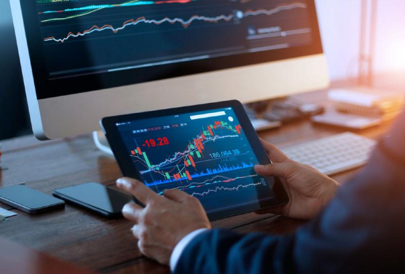 Экономист составил список самых успешных валют 2021 года