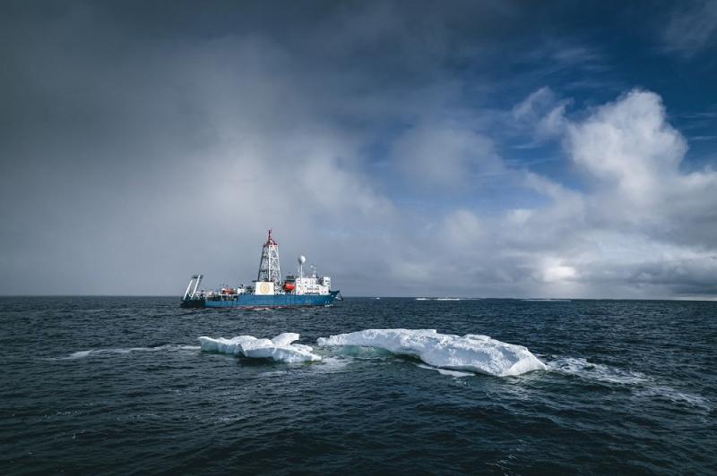 Роснефть впервые в истории  провела бурение на востоке континентального шельфа